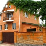 Продам коттедж ( дом ) Софиевская-Борщаговка 400кв.м., участок 8 соток. (Код Н199)