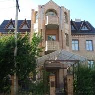 Аренда дома  Петропавловская Борщаговка  698кв.м  9соток  код(н902)