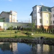 котедж, дом, дачу, Петропавловская Борщаговка, Центральная ул. (Код H242)