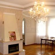 Без Комиссии Продам хороший 100% кирпичный дом в г. Киев, Подольский р-н. 263 кв.м. 7 соток. (Код H011)