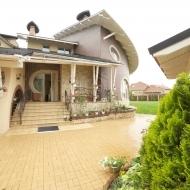 Cрочно! Продам дом(коттедж) Гатное. 737 кв.м. 24 сотки.(код Н904)