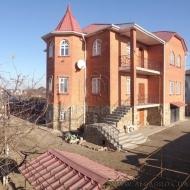 (Код объекта Н777)  Продам дом 100% кирпичный дом Киево-Святошинский р-н. с. Гатное, 407 кв.м. 10 соток. ТРЦ «Магелан»
