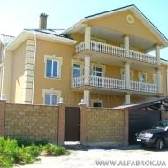 котедж, дом, дачу, Петропавловская Борщаговка, Центральная ул. (Код H1283)