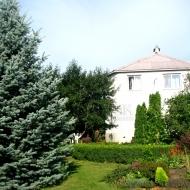 Сдам добротный дом с. Гореничи 120 кв.м 11 соток земли, ландшафтный дизайн, грядки (Код объекта H1446)