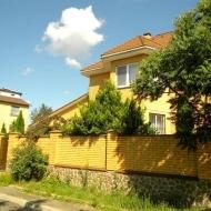 котедж, дом, дачу, Петропавловская Борщаговка, Центральная ул. (Код H2644)