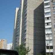 (код объекта К12413) Продам 3-х ком квартиру.Дарницкий р-н. ул.Мишуги 3. Квартира возле метро.