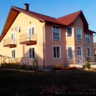 Продам 100% кирпичный, загородный коттедж, дом, с. Милая 238 кв. 15 соток.  (код H1950)