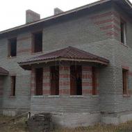 Продажа дома.Дом построен по типу таунхауса на две половины,площадь каждой по 130 кв.м.Киев.Дарницкий р-н.(Н4927)