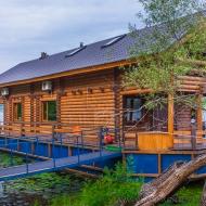 Продам дом действующий бизнес.Киев.Днепровский р-н.Дом на воде.(Н3007)