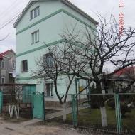 (код объекта H5609) Продается дом 5к. с возможностью прописки в двух км от  м. Осокорки площадью 200 кв.