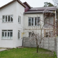 (код объекта H3466) Киево-Святошинский р-н., г.Боярка. Продажа 4х. комнатного экологически чистого дома, под покраску или поклейку.