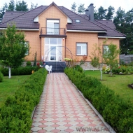 (Код объекта Н6040) Продажа двухэтажного дома с Участком 40 соток в с. Петрушки К-Святошинского р-на.