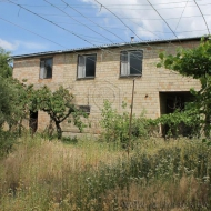 Продам дом 10 метров от Днепра, 2 км. от метро, 150 м2, 20 соток