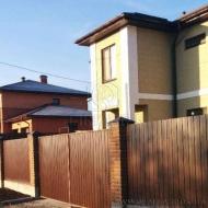 (Код объекта Н6453) Бориспольский р-н., Петровское. Продажа дома в новом, застроенном р-н., рядом лес. Дом с ремонтом, ландшафтный дизайн на участке.