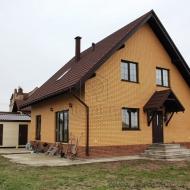 Продаеться дом в с. Гоголев - общ. пл. 175,5 кв. м., жил. пл. - 97,5  кв.м.  + участок 18 соток.