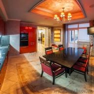 Продается роскошная статусная 4 комнатная квартира в престижном доме на Печерске по ул. Старонаводницкая, 13 (Код K35560)