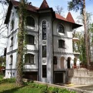 Продам 3-этажный дом + 2-этажный гостевой дом, участок 20 соток, Ирпень (Код H15977)