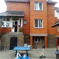(Код объекта Н2377) Киев, Соломенский р-н., Отрадный. Продажа двух жилых домов, с качественным ремонтом, мебелью, удобная развязка.
